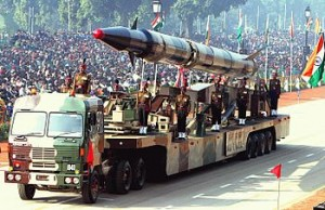 350px-Agni-II_missile_(Republic_Day_Parade_2004)