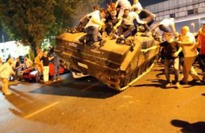 muertos_y_caos_en_intento_de_golpe_de_estado_en_turquia
